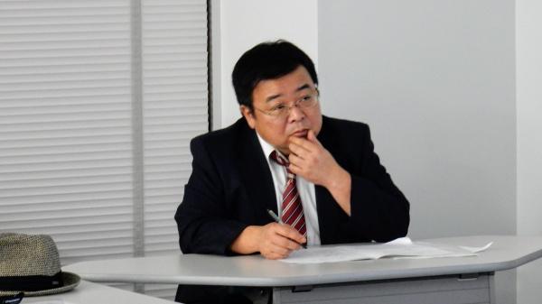 座長は鶴田善久先生