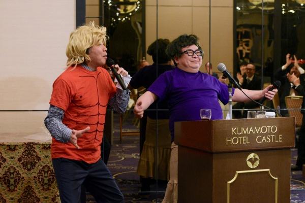 さてここからはお楽しみタイム。古田理事と鶴田善久理事の抱腹絶倒コンビで往年のヒット曲イントロあてクイズ!