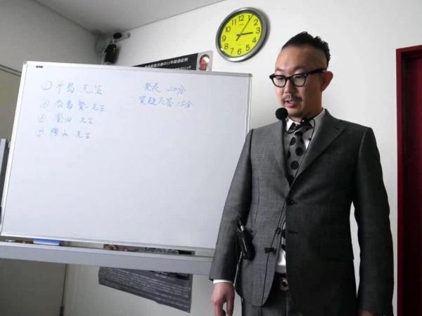 ひとりあたり20分間の発表のあと、山﨑先生よりコメントいただきました