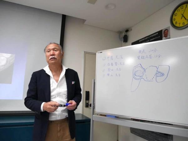 山﨑長郎先生の指導は大変懇切丁寧なものでした。